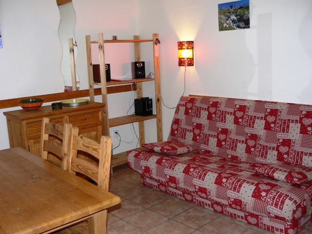 Salon appartement Les Beraudes, location nevache ALLAIN